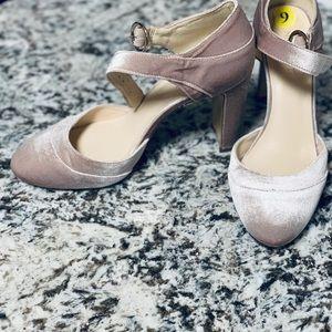 Nine West velvet Mary Jane heels
